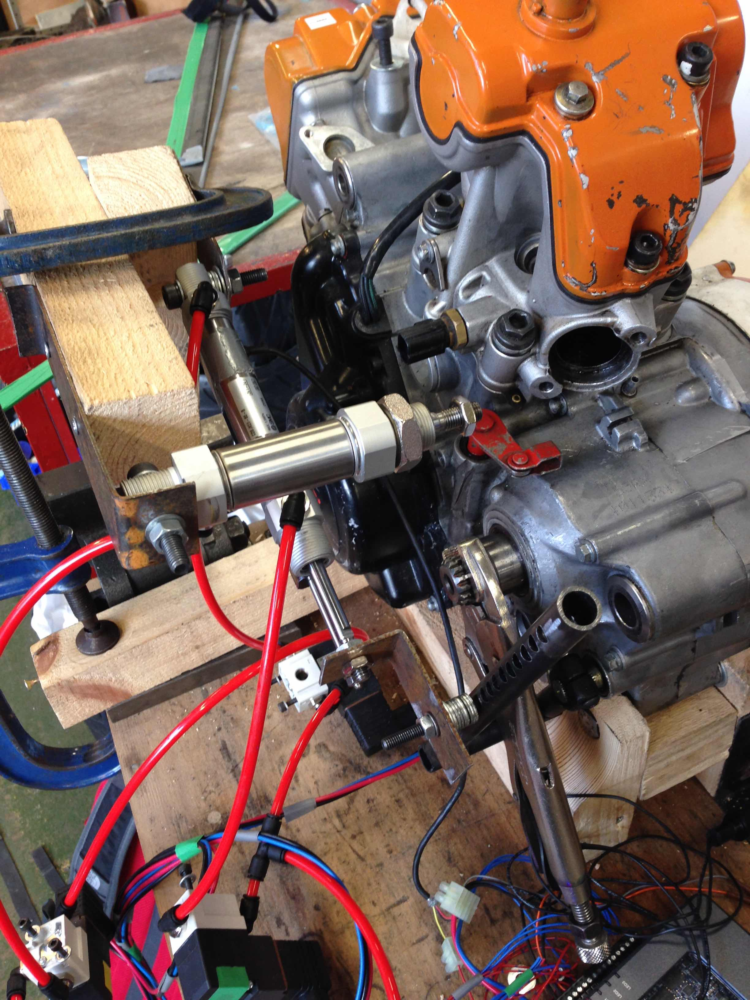 Pneumatic shifting system for a combustion Formula Student