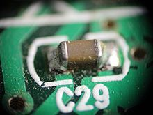 220px-SMD_capacitor